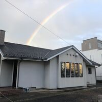 虹と店舗.jpg